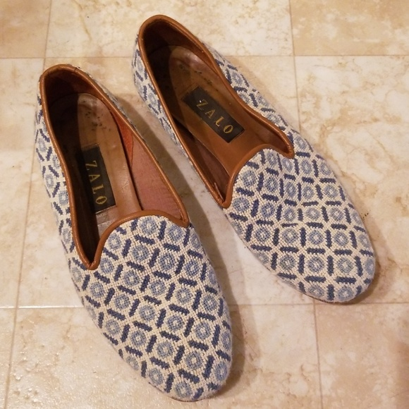 e2739bfd67b Zalo Blue Printed Needlepoint Tapestry Loafers. M 5b566953c9bf500aff1ac876